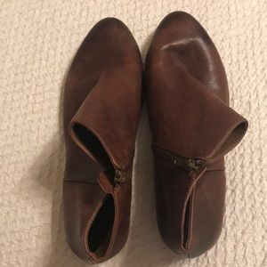 Gianni Bini leather ankle boots